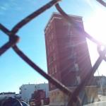 bygning i SF udelukkende bygget for at blive brændt  og genopbygget for evigt